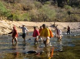 26-rivercrossing